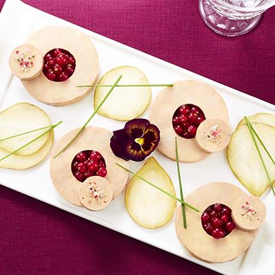 Plateau foie gras poires et groseilles delpeyrat - Decoration foie gras assiette ...